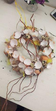 Floral Wreath, Wreaths, Decoration, Flowers, Home Decor, Decorating, Homemade Home Decor, Flower Crowns, Door Wreaths