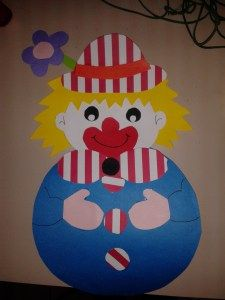 Clown Crafts, Carnival Crafts, Cute Clown, School Carnival, Clowning Around, Applique Patterns, Punch Art, Classroom Themes, School Projects