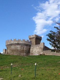 Castello di Populonia in Populonia, Toscana