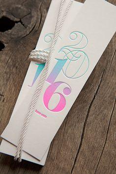 Marque-page surprise bonne année 2016 avec dégradé de couleur - Cocorico Letterpress // splifountain letterpress for a good year book notecard