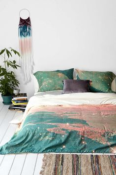 Tim Green For DENY Mooncrooner Duvet Cover from Urban Outfitters. Shop more products from Urban Outfitters on Wanelo. Room In A Bag, My New Room, Indie Dorm Room, Duvet Covers Urban Outfitters, Student Room, Canapé Design, Modern Design, Design Ideas, Room Decor