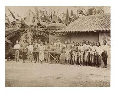 Prince Phra Keo Pha (King Sisowath), a brother of the King of Cambodia (Norodom) and the cortege in 1870.
