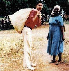 1994. Barack Obama helping his grandma in Kenya