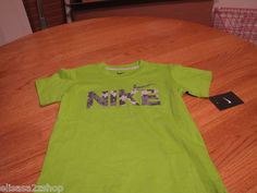 Boy's youth Nike T shirt NEW 5 kids Logo brilliant green TEE NWT 860029-481