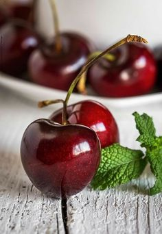 fresh cherries on wooden table closeup by , - Obst Fruit And Veg, Fruits And Vegetables, Fresh Fruit, Vegetables List, Cherry Fruit, Citrus Fruits, Food Fresh, Kids Fruit, Cherry Red