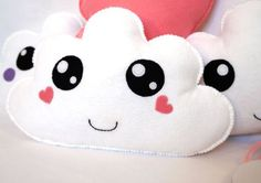 White Cloud Plushie With Heart Cheecks Kawaii Cloud Felt Diy, Felt Crafts, Diy And Crafts, Softies, Plushies, Felt Patterns, Sewing Patterns, Pink Clouds, Creation Couture