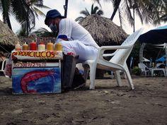 AFRODICIACOS (Barranquilla, 2016) #beachfood #streetfood #aphrodisiac #aphordisiacfood #shrimpcocktail #cocteldecamaron #barranquilla #beach #caribbean #colombia #summer #tropical #photography #photo #pic #iPhone #iPhone4s #iPhonePhotography Beach Meals, Tropical, Iphone Photography, Iphone 4s, Street Food, Caribbean, People, Summer, Barranquilla