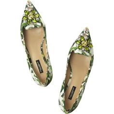 Dolce & Gabbana Embellished floral-brocade point-toe flats ($348) ❤ liked on Polyvore featuring shoes, flats, scarpe, green flat shoes, white pointy toe flats, white pointed toe flats, green flats and white slip on shoes