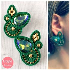 Green Soutache stud earrings with crystals and golden beads. These earrings are Made in italy and do not contain elements of animal derivation. Green Earrings, Crystal Earrings, Stud Earrings, Paula Ordovás, Soutache Earrings, Polymer Clay Charms, Bead Jewellery, Handmade Necklaces, Green And Gold