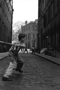 Stickball in Little Italy New York 1956 Photo: Leonard Freed