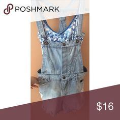 Light wash Jean Overalls Light wash overalls for any day of this summer! The ripped holes on the sides also add a little flare! (Shirt not included but is also for sale) Accepting offers! (: Tinseltown Jeans Overalls