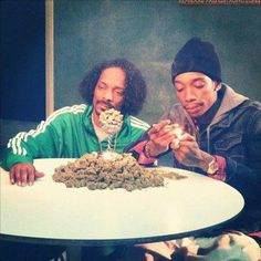 Snoop and Wiz Chiln'