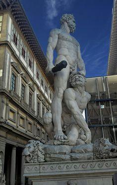 FIRENZE  Piazza della Signoria-statua di Ercole e Caco