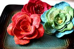 PDF TUTORIAL, Wet felted flower pin / brooch guide how to make / step by step instruction | Flickr - Photo Sharing!
