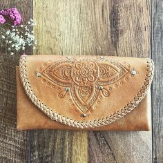 Loving this wallet by Mahiya Leather #Repost @mahiya_leather Our all tan Mahala wallet #bohemian #mahiya #leatherlove #wallet #handtooled #bohowallet #wildheart #freespirit #handmade