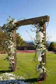 An Archway dressed with flowers