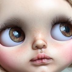 Close up. No editing #blythedoll #blythe #customblythe #tiinacustom