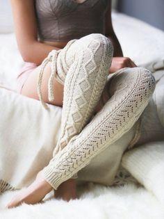 The Vogue Fashion: Cozy Chambers Wrap Leg Warmer Love Knitting, Knitting Ideas, Mode Shoes, Estilo Hippie, Knit Leg Warmers, Knee High Socks, High Boots, Color Khaki, Boot Socks