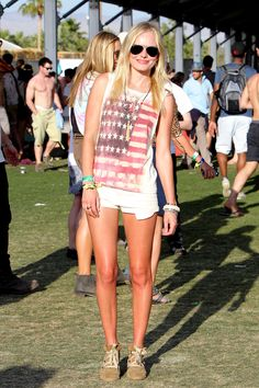 Kate Bosworth en Topshop et Isabel Marant au Festival de Coachella 2011 look rock