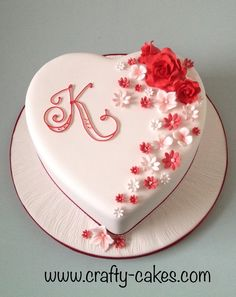 Heart shape red & white cake with sugar flowers - Heart shape red & white cake with sugar flowers<br> Heart Shaped Birthday Cake, Heart Shaped Wedding Cakes, Heart Shaped Cakes, Birthday Cake With Flowers, Beautiful Birthday Cakes, Heart Cakes, Heart Shape Cake Design, Birthday Cake Writing, Rodjendanske Torte