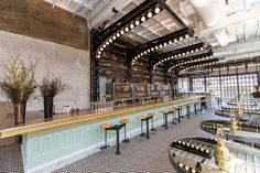 Ironside Fish & Oyster restaurant by BASILE Studio, San Diego – California Oyster Restaurant, Cafe Restaurant, Restaurant Design, Restaurant Interiors, Visual Merchandising, Backyard Coop, Pub Design, Retail Design, House Design