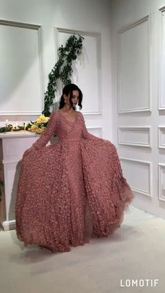Blush Pink long sleeves flowers Evening Dress with overskirt. Processing time full of high end handmade business days after payment Source by dress videos Stylish Dress Designs, Designs For Dresses, Stylish Dresses, Fashion Dresses, Formal Dresses Long Elegant, Long Dress Design, Long Gown Dress, Prom Dresses Long With Sleeves, Dress Indian Style