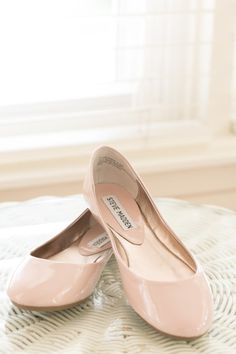 It's always good to have at least 1 pair of nude color flat - in your skin shade - so you can pair with lots of outfit.