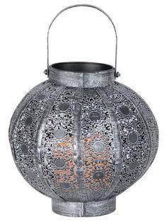 Orientalische #Lampen, die uns direkt ein Gefühl von #Urlaub verleihen. Das marokkanische #Flair sorgt für eine gemütliche #Atmosphäre. #Marokko #Zuhause