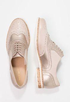 10486a577c19b Les 91 meilleures images du tableau Chaussures sur Pinterest ...
