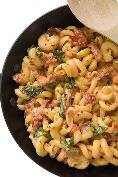 Creamy Sun Dried Tomato & Basil Pasta | Dairy Free Vegan | AmyintheKitchen.com