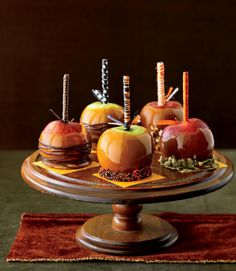 Caramel Apples - elegant apple dessert table at your winter wedding... Pal i'm thinking mini apples?
