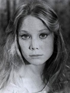 a doe and a daisy Classic Actresses, Actors & Actresses, Divas, Sissy Spacek, Carrie White, Boring People, Capricorn Women, Loretta Lynn, Sissi