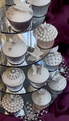 You can also use the pearls for decorating your cupcakes. Take pearl cupcakes decoration idea from here and design your beautiful cupcake with all love. Silver Cupcakes, Pretty Cupcakes, Beautiful Cupcakes, Wedding Cakes With Cupcakes, White Cupcakes, Pearl Cupcakes, Lace Cupcakes, Elegant Cupcakes, Butterfly Cupcakes