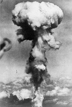 Seconde Guerre Mondiale : Bombes Atomiques Hiroshima Nagasaki