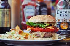 food love   burger mit allem! - luzia pimpinella