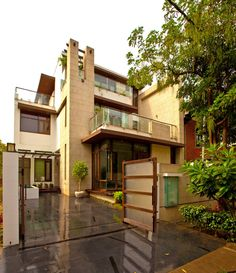 Luxury indian homes ; - Luxury indian homes ; Indian Home Design, Indian Home Interior, Indian Home Decor, Villa Design, Luxury Homes Exterior, Design Exterior, Indian House Exterior Design, House Front Design, Modern House Design