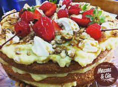 Hoje tem! Torta Flutuante - disparando entre a preferência da clientela    #padariamassasecia #dessert #sobremesa #tortas #pie #strawberry #instasweet