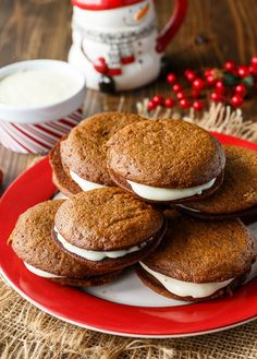 Each bite of these Gingerbread Whoopie Pies is a burst of holiday flavours with the spicy gingerbread cake and the richness of the cream cheese filling.