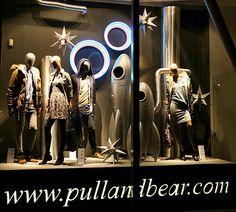 Pull Bear windows 2013 Autumn Budapest 04