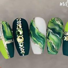 Nail Art Designs Videos, Nail Art Videos, Gel Nail Designs, Marble Nail Designs, Nail Art Hacks, Nail Art Diy, Diy Nails, Green Nail Art, Green Nails