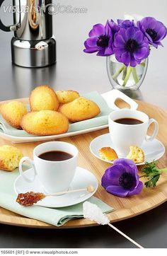 Good Morning, sunshine★ Coffee Room, Pause Café, Coffee Break, Coffee Time, Morning Coffee, Coffee Drinks, Espresso Coffee, Coffee Latte, Best Coffee