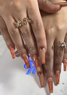 Uploaded by 🧚🏾♂️. Find images and videos about nails, butterfly and jewellery on We Heart It - the app to get lost in what you love. Drip Nails, Bling Acrylic Nails, Aycrlic Nails, Best Acrylic Nails, Swag Nails, Glitter Nails, Coffin Nails, Edgy Nails, Stylish Nails
