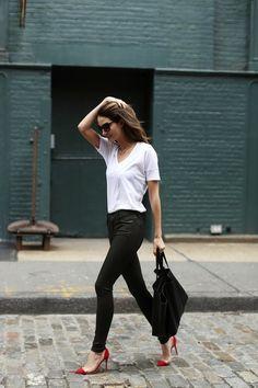 Plain white t-shirt, black skinny jeans, red pumps