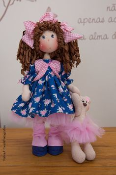 Estrelinhas Collection - Maria (ciranda members - May-June / Sans Art, Fabric Dolls, Doll Clothes, Sewing Patterns, Projects To Try, Diy Crafts, Blog, Handmade, Collection