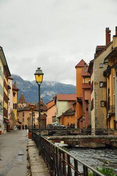 Annecy - 阿纳西。有水的城市,总是让人难以忘记的。