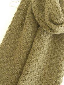 Ma prochaine écharpe. Reste plus qu'à trouver la laine. Crochet Scarves, Knit Crochet, Silhouette Cameo, About Me Blog, Knitting, Sewing, Bonnets, Women, Fashion