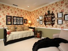 SUZANNE MYERS ELITE INTERIOR DESIGN: Pretty guest bedroom and room for two with the trundle bed.