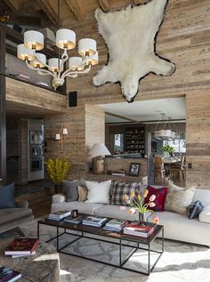 Perhaps, it will not be possible to spoil a chalet house, but you can make it more comfortable and elegant. This chalet in the Swiss Alps is one of the ✌Pufikhomes - source of home inspiration Chalet Chic, Chalet Style, Chalet Zermatt, Ski Lodge Decor, Chalet Interior, Winter Cabin, Interior Design Studio, Guest Bedrooms, Cabana