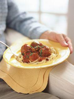 Aunt Nancy's Meatball Sauce - Ricardo Rice Recipes, Pasta Recipes, Meatball Sauce, Parmigiano Reggiano, Spaghetti Sauce, French Food, Vinaigrette, Aunt, Pesto