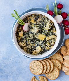 Trempette épinards, artichauts et fromage fumé | Recettes d'ici Recipe Master, Smoked Cheese, Spinach Dip, Special Recipes, Cooking Time, Acai Bowl, Dips, Appetizers, Snacks
